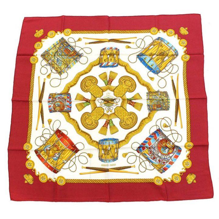 エルメス HERMES カレ90 LESTAMBOURS/タンブールの太鼓 シルクスカーフ